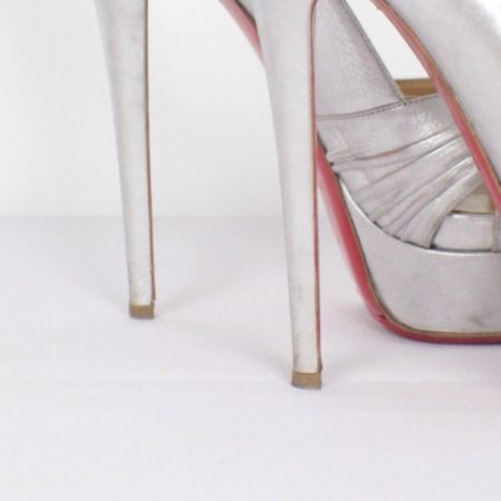 CHRISTIAN LOUBOUTIN Jenny Silver Peep Toe Pumps Size USA 8.5 Euro 38.5 Item15416 h
