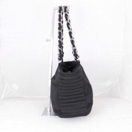 CHANEL 18616 Black Quilted Shoulder Bag g