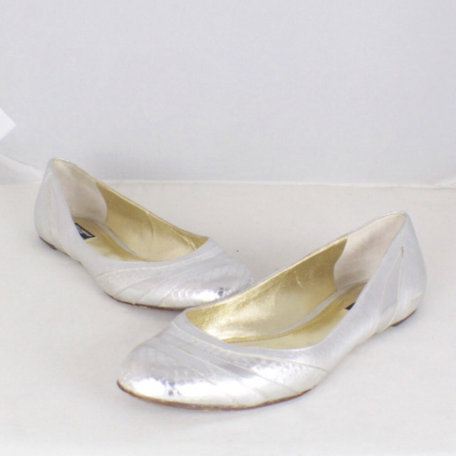 DOLCE GABBANA Metallic Silver Tone Flats Size USA 10 Euro 40 Item14925 a
