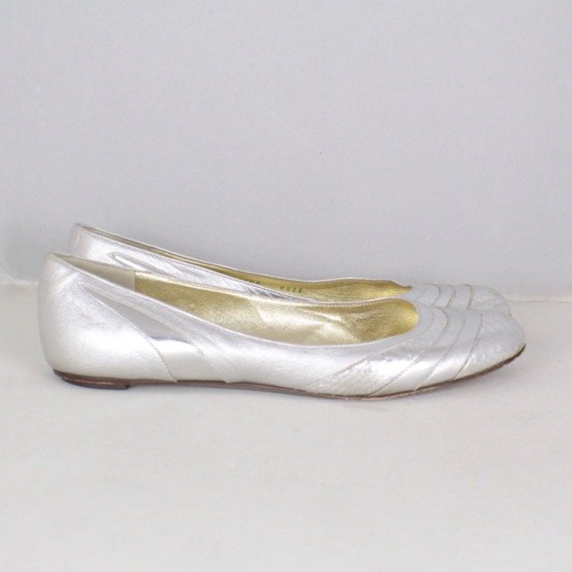 DOLCE GABBANA Metallic Silver Tone Flats Size USA 10 Euro 40 Item14925 c