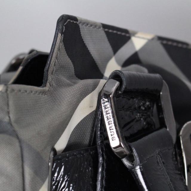 BURBERRY 20978 Grey Checker Tote e