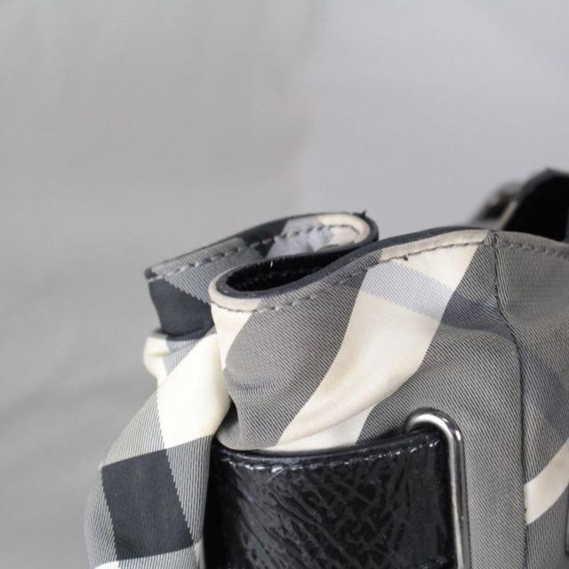 BURBERRY 20978 Grey Checker Tote j