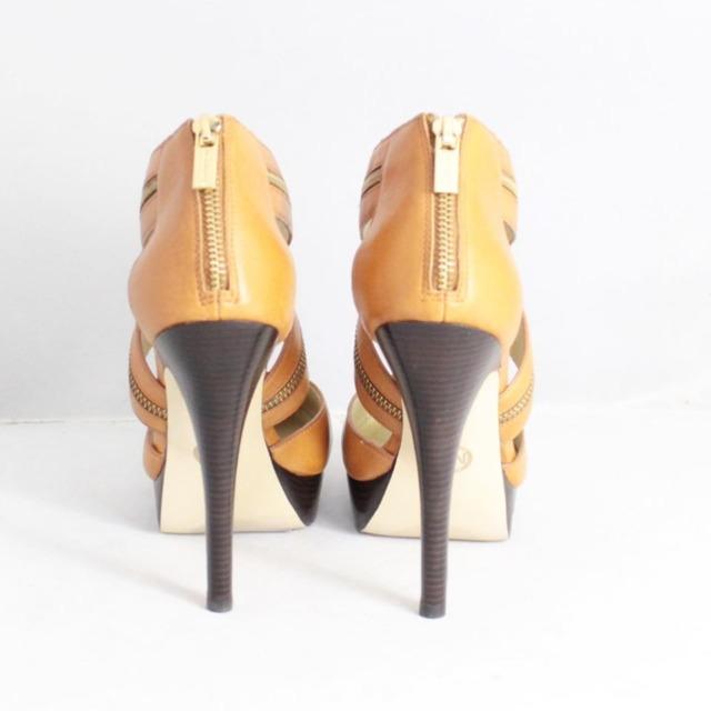 MICHAEL KORS Tan Platform Heels Size US 9.5 Eur 39.5 21325 b