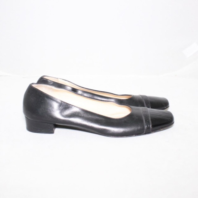 SALVATORE FERRAGAMO Black Leather Heels Size 8.5 US Eur 38.5 18121 c