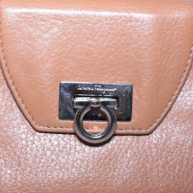 SALVATORE FERRAGAMO Tan Leather Bifold Wallet 21265 d