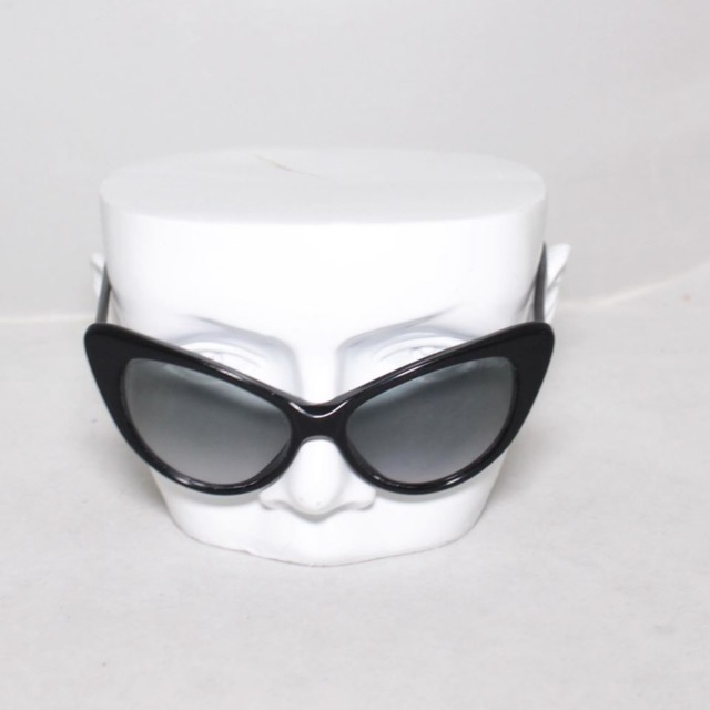 TOM FORD Black Cat Eye Sunglasses 21059 b