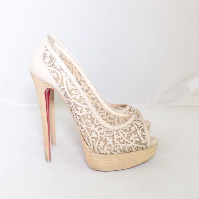 CHRISTIAN LOUBOUTIN Nude Lace Platform Heels Size US 9 Eur 39 22038 e
