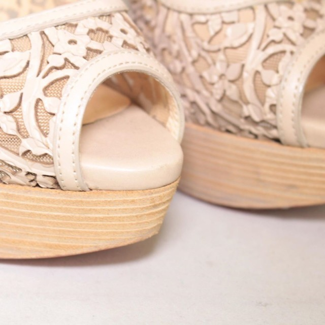 CHRISTIAN LOUBOUTIN Nude Lace Platform Heels Size US 9 Eur 39 22038 f