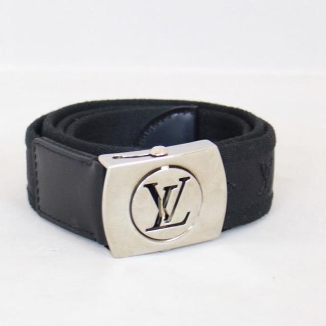 LOUIS VUITTON Black Buckle Belt Size 36 small 22043 a