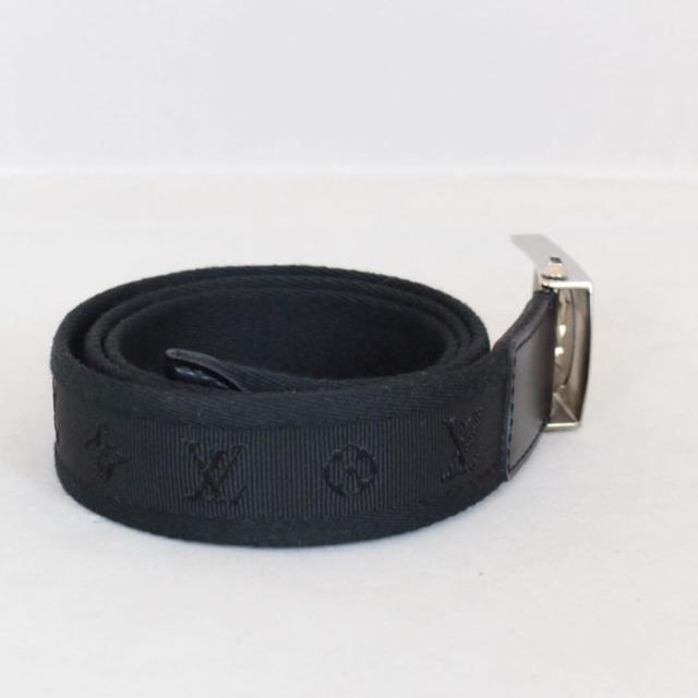 LOUIS VUITTON Black Buckle Belt Size 36 small 22043 b