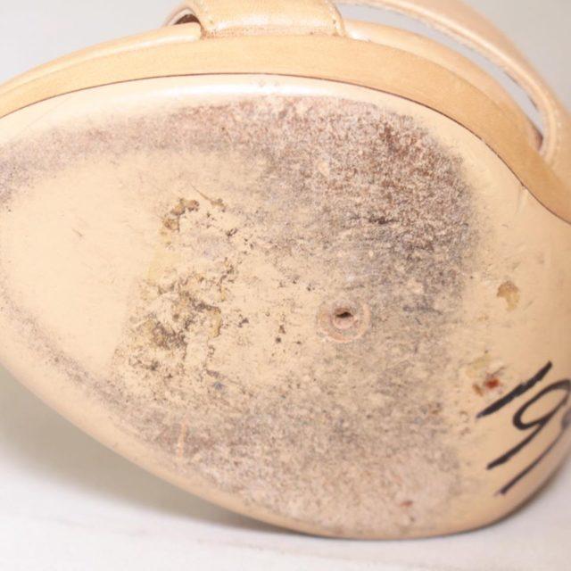 SALVATORE FERRAGAMO Nude Slingback Heels US 7 EU 37 25255 g
