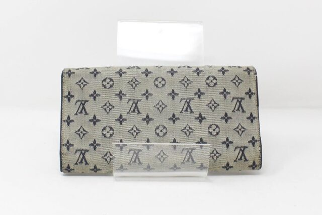 LOUIS VUITTON Grey Monogram Wallet 27302 2