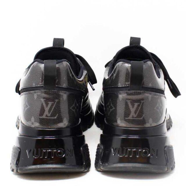 LOUIS VUITTON Run away Pulse Sneakers US 9 EU 39 29088 6