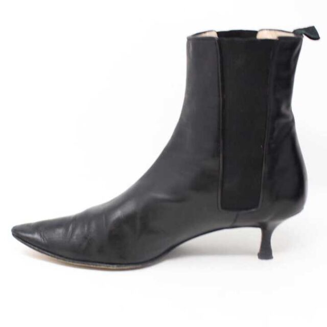MANOLO BLAHNIK Black Leather Boot Heels US 9 EU 39 29040 3