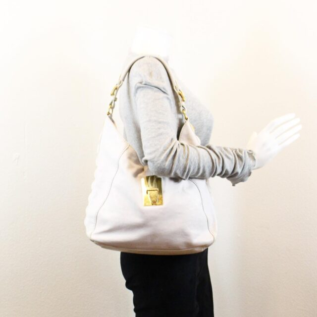 MICHAEL KORS White Leather Handbag 19045 10