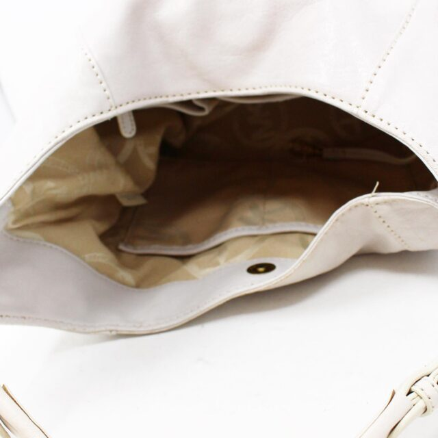 MICHAEL KORS White Leather Handbag 19045 8