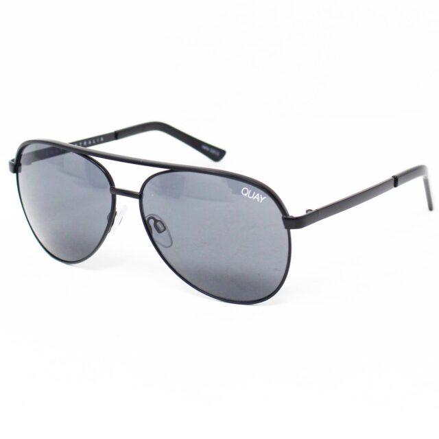 QUAY AUSTRALIA Vivenne Mini Sunglasses w caseNEW w tags 28634 1