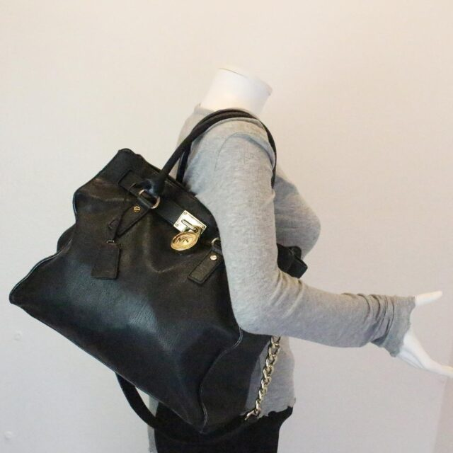 MICHAEL KORS 30935 Black Leather Lock Tote 10