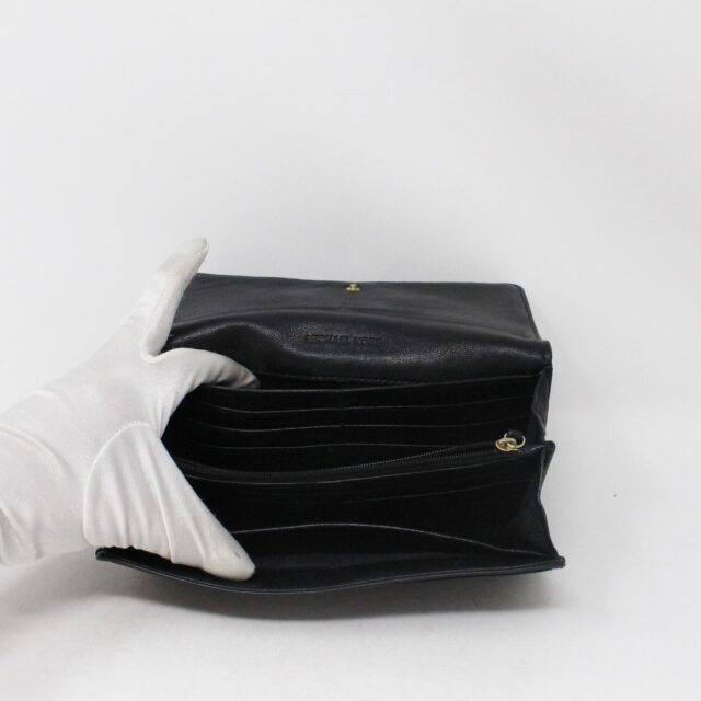 MICHAEL KORS 30936 Black Leather Logo Plaque Wallet 3