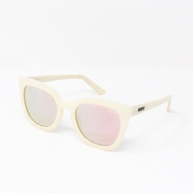 QUAY AUSTRALIA 27618 White Noosa Rectangular Sunglasses NWT 1