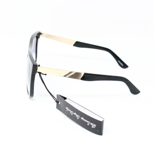 QUAY AUSTRALIA 27726 Black Incognito Rectangular Sunglasses NWT 2