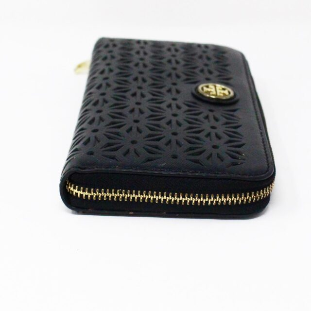 TORY BURCH AYB091 Black Perforated Robinson Leather Wallet 3