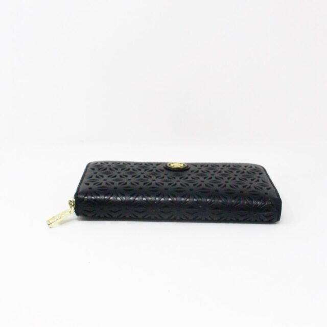 TORY BURCH AYB091 Black Perforated Robinson Leather Wallet 4