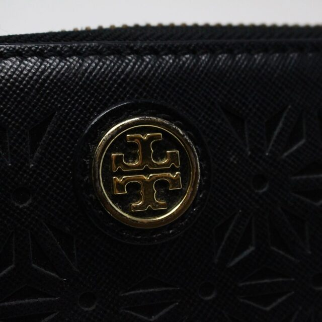 TORY BURCH AYB091 Black Perforated Robinson Leather Wallet 6
