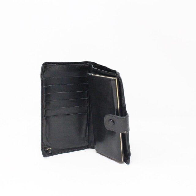 CHANEL 31356 Vintage Black Caviar Leather Snappy Wallet 8