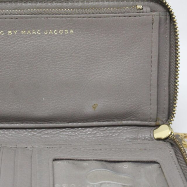 MARC BY MARC JACOBS 31286 Grey Leather Wallet 8